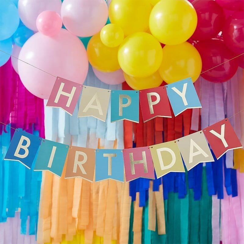 Mehrfarbige Girlande Happy Birthday