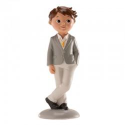 Figurine première communion, figurine petit garçon brun chic, figurine garçon brun habits chics