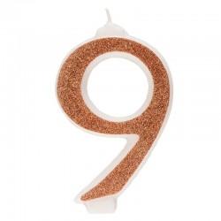 Große, helle goldene Kerze Nummer 9 neun