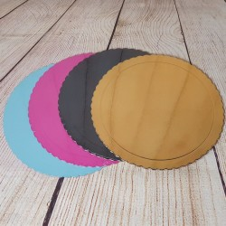 Scalloped trays of your choice